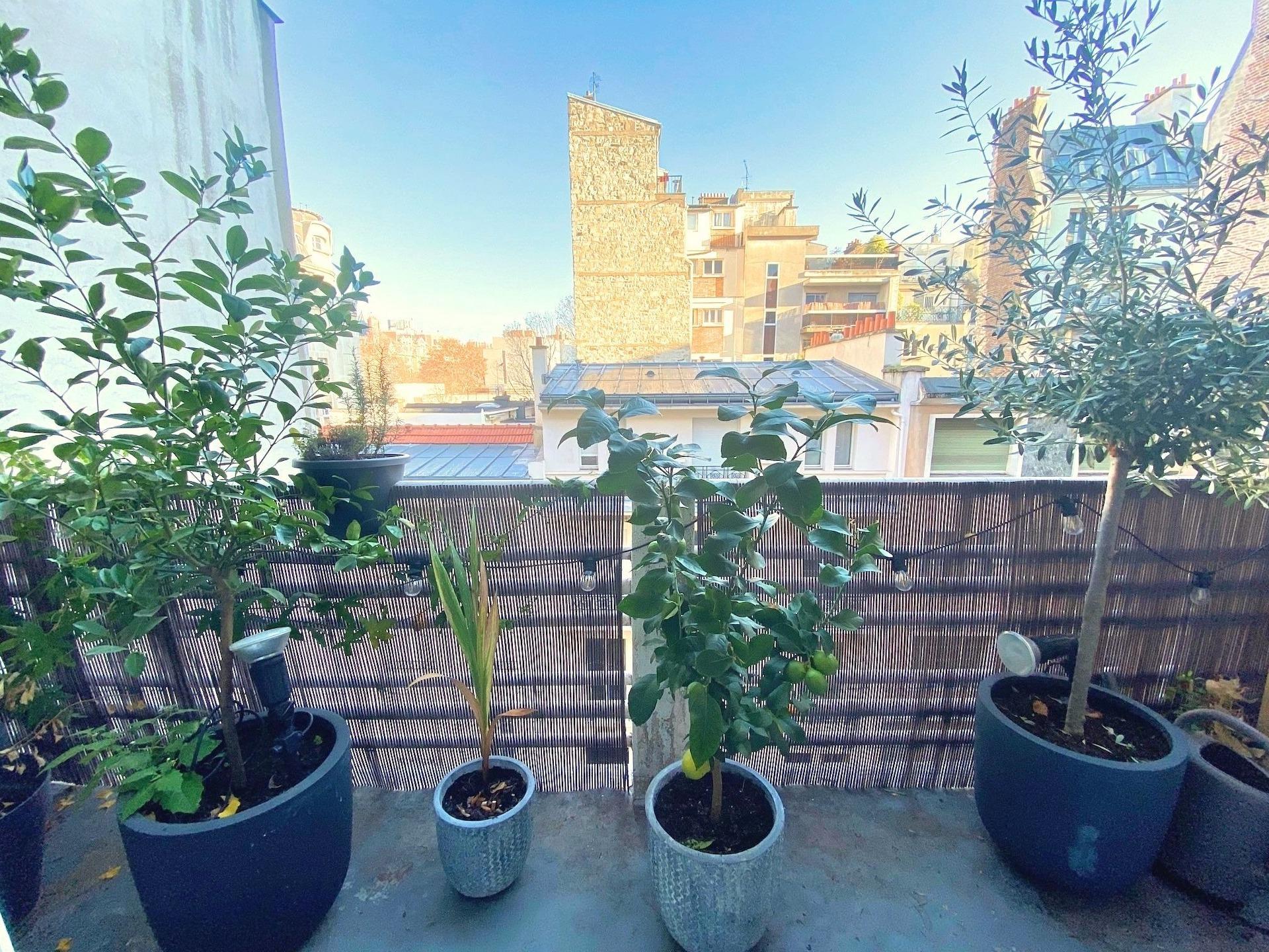 5-a-vendre-appartement-2-pieces-balcon-vue-degagee-sans-vis-à-vis-paris-16-auteuil-la-clef-des-villes-agence-immobiliere-off-market