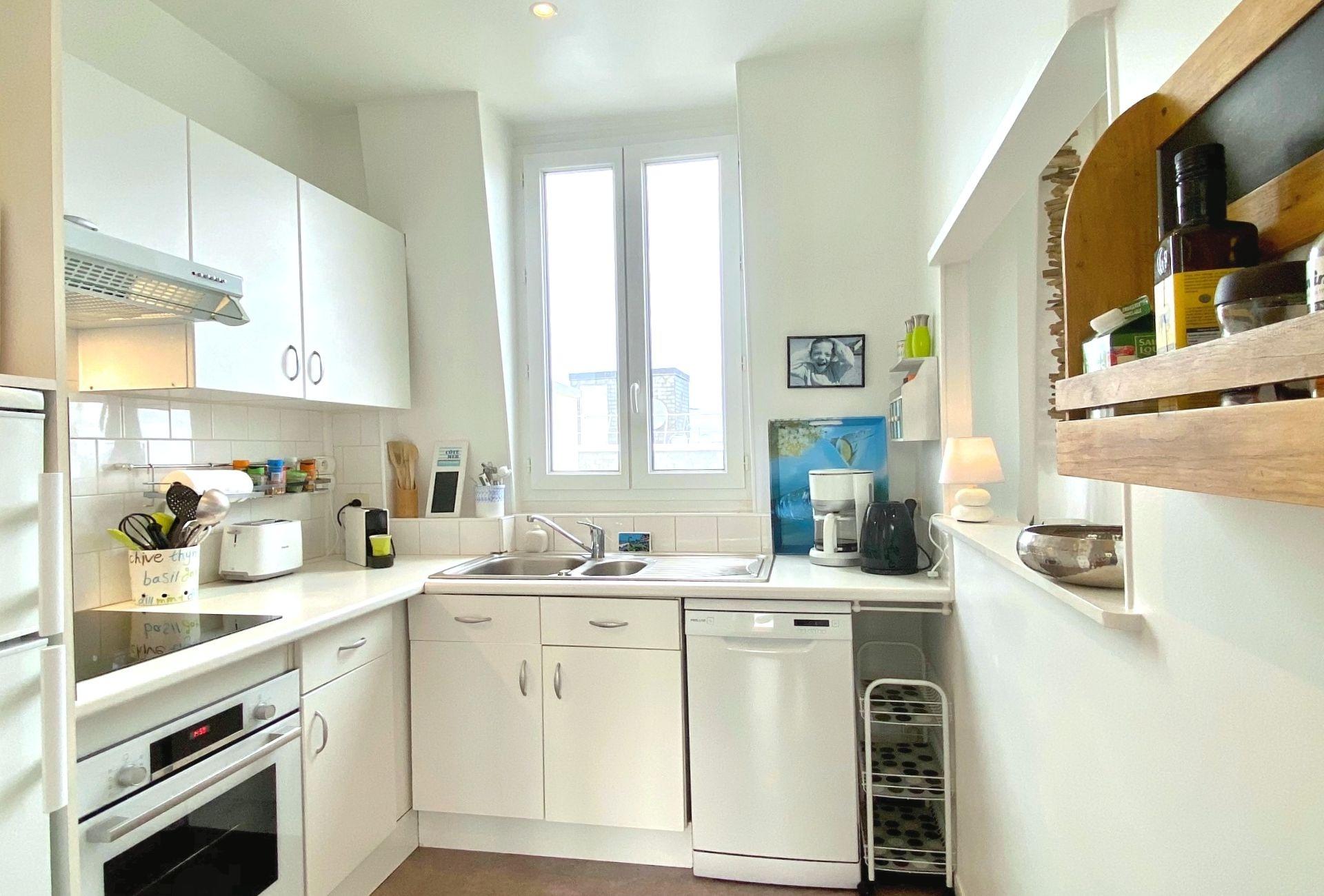 9-cuisine-appartement-a-vendre-la-clef-des-villes-agence-immobiliere-villers-sur-mer