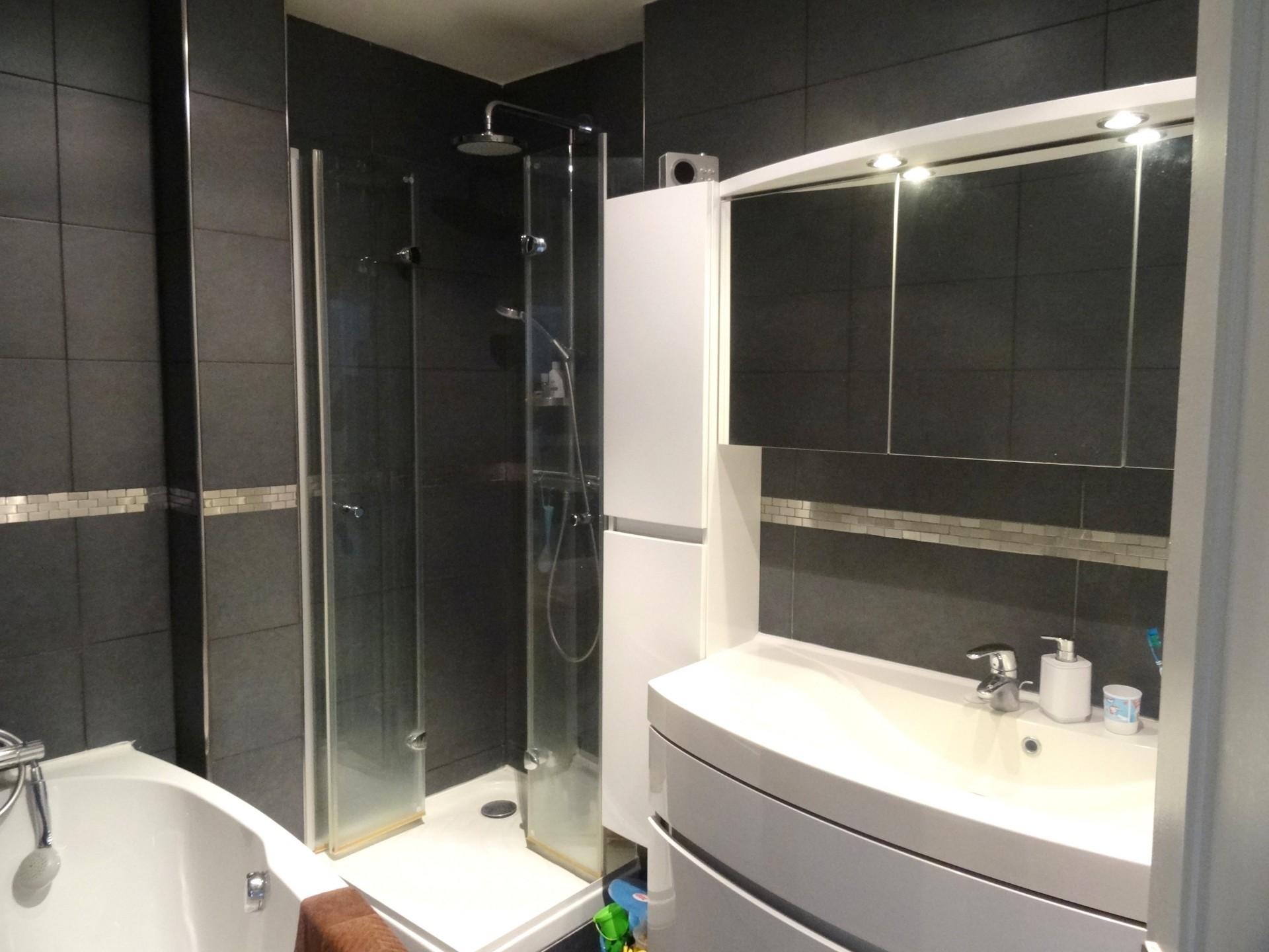 la-clef-des-villes-agence-immobiliere-boulogne-billancourt-photo-route-de-la-reine-salle-de-bain-moderne