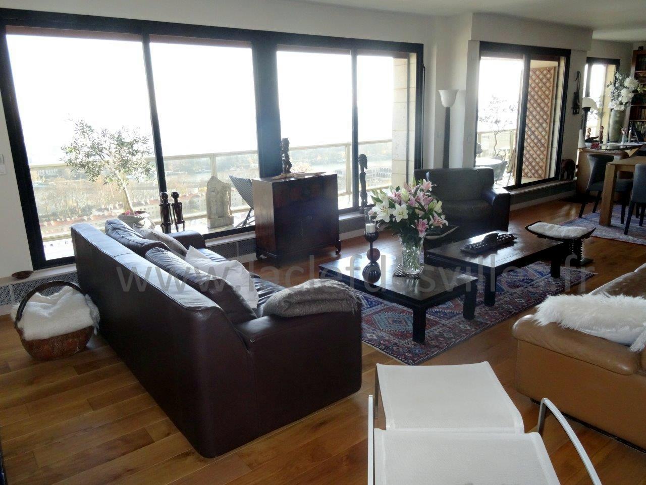 la-clef-des-villes-agence-immobiliere-boulogne-billancourt-chasseur-immobilier-hauts-de-seine-92-arnaud-mascarel-vente-appartement-saint-cloud-photo-salon