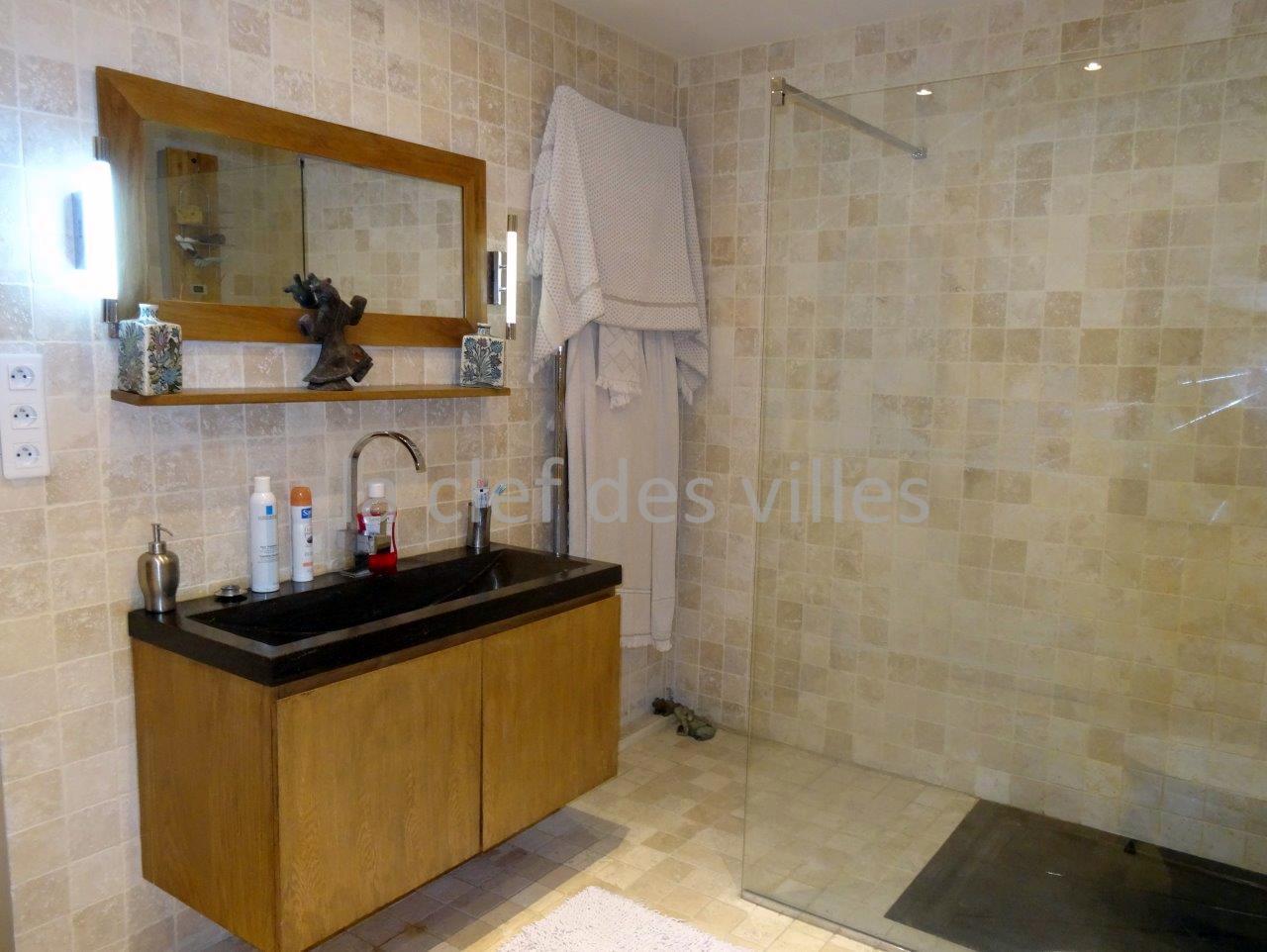 la-clef-des-villes-agence-immobiliere-boulogne-billancourt-chasseur-immobilier-hauts-de-seine-92-arnaud-mascarel-vente-appartement-saint-cloud-photo-salle-de-bain-design