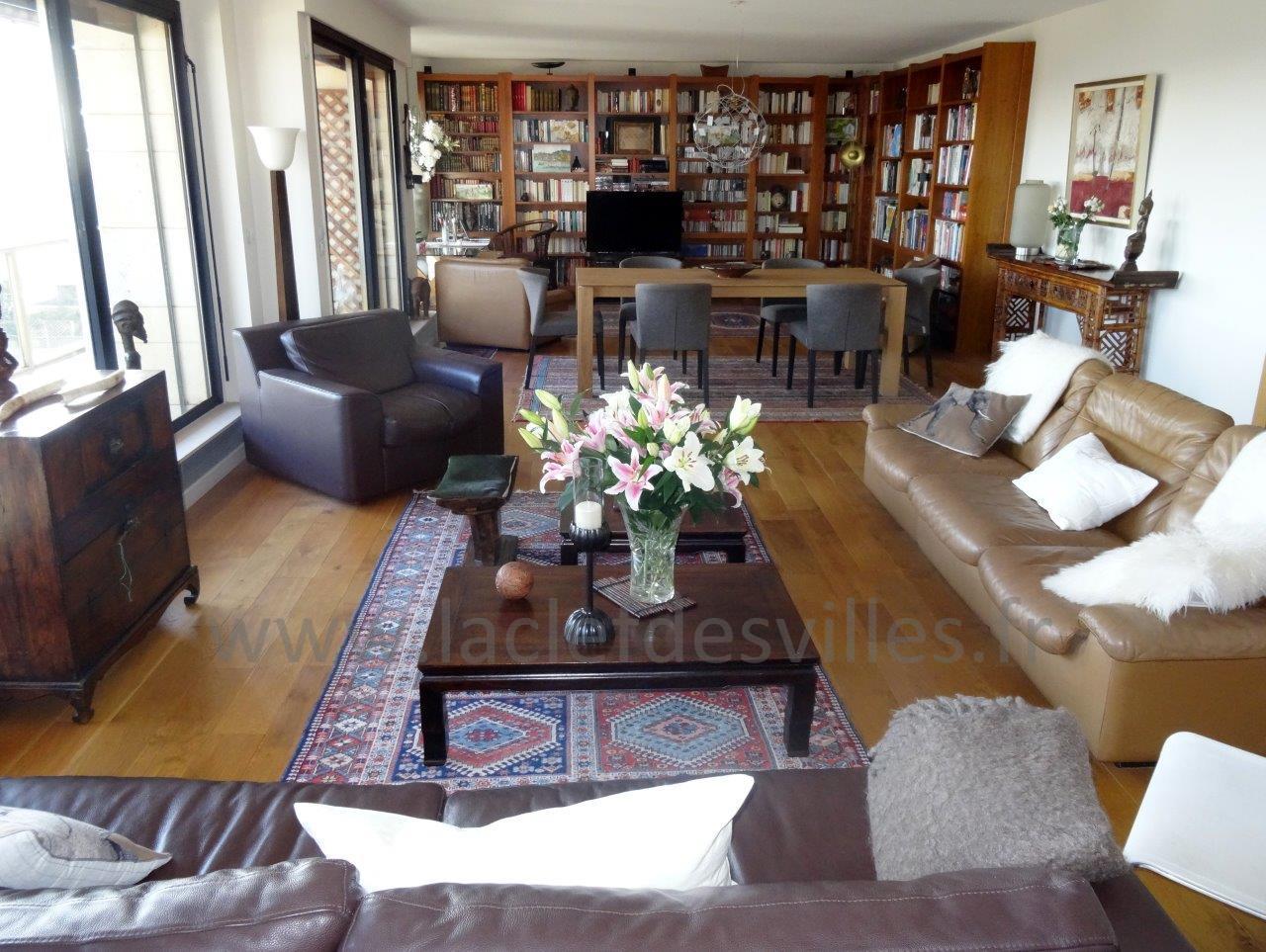 la-clef-des-villes-agence-immobiliere-boulogne-billancourt-chasseur-immobilier-hauts-de-seine-92-arnaud-mascarel-vente-appartement-saint-cloud-photo-double-sejour