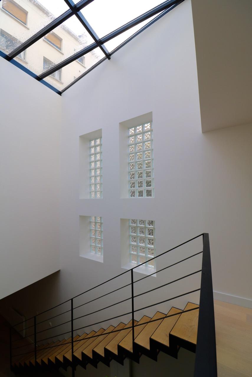 la-clef-des-villes-chasseur-immobilier-boulogne-billancourt-appartement-neuf-loft- atypique-photo-mur-briques-de-verre