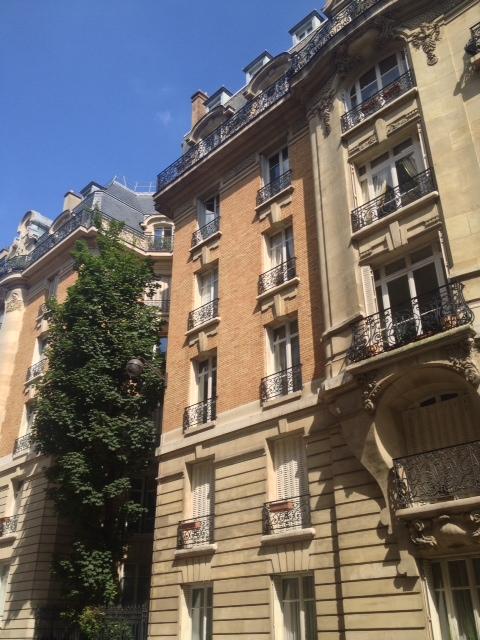 la-clef-des-villes-agence-immobiliere-paris-16-metro-ranelagh-photo-appartement-immeuble-facade-exterieure
